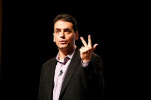 Author Daniel Pink has amassed an impressive 71,000 subscribers to his e-newsletter (he highlights the number next to the sign-up).